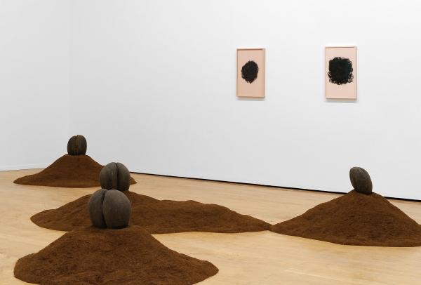 Nina Beier. Female Nude, 2015. La Vie Moderne. Lyon Biennial, Lyon. Fotografía: Blaise Adilon