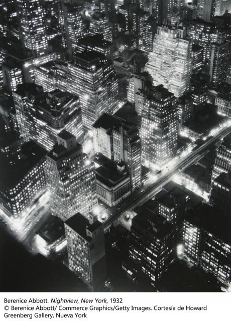 Berenice Abbott. Nightview, New York, 1932 – Cortesía de Kutxa Kultur Artegunea