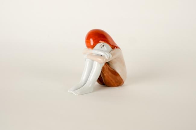 Sola rossa, 2018, porcelain (unique), 13 x 8 x 13 cm