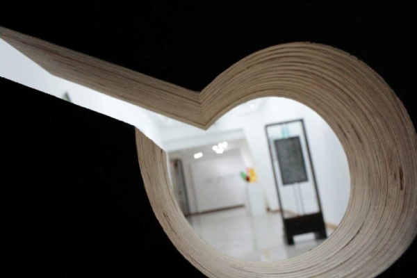"Exposición ""Geometrías variables"" desde ""Umbrales"" de Nidia Delmoral"