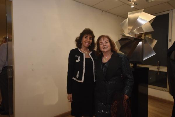 Carla Mourão, Daisy Peccinini | Ir al evento: 'Dolly Moreno - Esculturas'. Exposición de Diseño, Escultura en Espacio Uruguay / São Paulo, Sao Paulo, Brasil