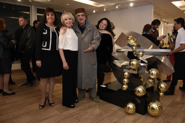 Carla Mourão, Dolly Moreno, Antonio Peticov, Quelita Moreno | Ir al evento: 'Dolly Moreno - Esculturas'. Exposición de Diseño, Escultura en Espacio Uruguay / São Paulo, Sao Paulo, Brasil