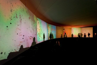 Gustav Metzger, Supportive, 1966-2011 (detail). 7 proyectores Kodak SAV 2050 Colección del Musee d\'art contemporain, Lyon © Foto: Blaise Adilon, Photo Cortesía: MAC Lyon