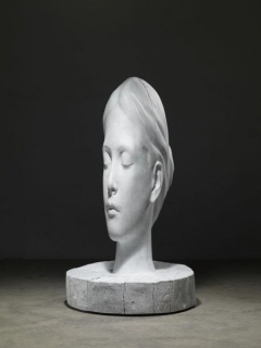 Jaume Plensa, White Forest (Laura), 2015, bronze à patine blanche, edition de 5, 196x103x103 cm