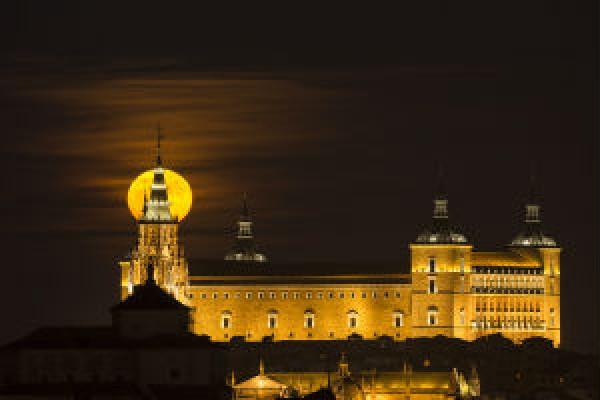 El Alcázar y la Luna
