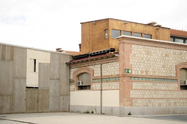 Naves Matadero - Centro Internacional de Artes Vivas | Ir al evento: 'El tiempo entre nosotros'. Exposición de Arte en vivo en Naves Matadero - Centro Internacional de Artes Vivas / Madrid, España
