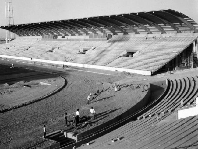 Arquitetos Keil do Amaral e Carlos Ramos. Estádio de Bagdade 1966 — Cortesía de la Fundação Calouste Gulbenkian