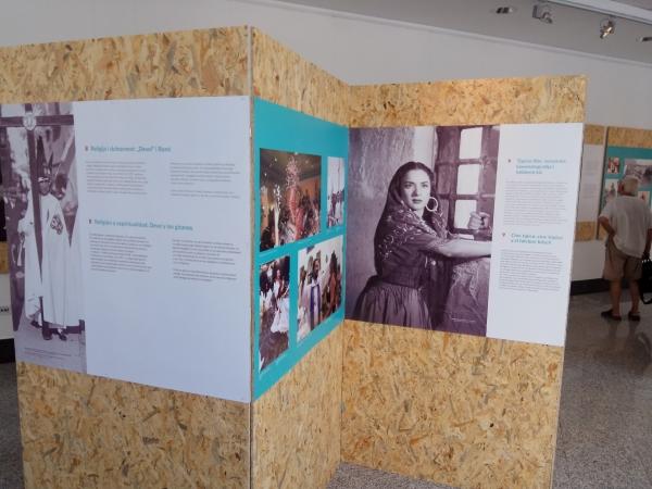 Exposición en Belgrado 4 | Ir al evento: 'Vidas Gitanas - Lungo Drom'. Exposición de Fotografía en Instituto Cervantes - Belgrado / Belgrade, Vojvodina, Serbia