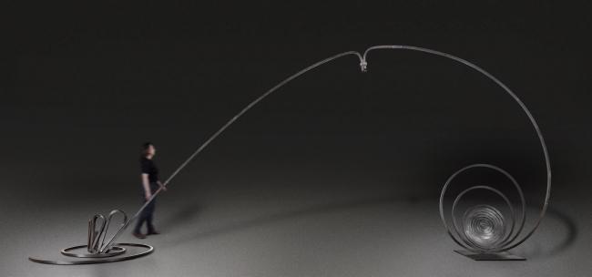 Martín Chirino. Alfaguara. Un arco para el mundo II , 2005, hierro forjado y empavonado, 450 x 1050 x 214 cm – Cortesía de la Galería Marlborough