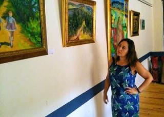 Foto junto a mi.obra pictóricas