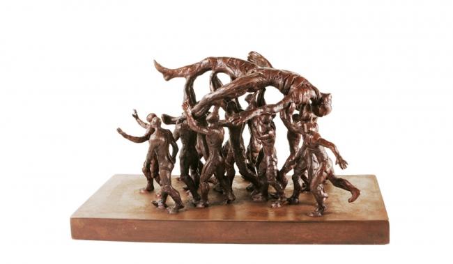 En volandas, bronce y hierro, 55x25x31 cms.