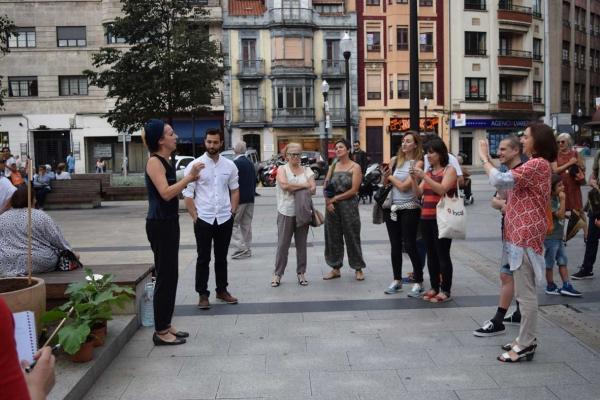 plantación de berenjenas y presentación del proyecto VYKORT | Ir al evento: 'VYKORT'. Exposición de Arte urbano, Artesania, Video arte en Centro de Cultura Antiguo Instituto de Gijón (CCAI) / Gijón, Asturias, España