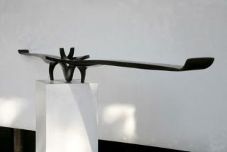 Martín Chirino  Aeróvoro (2016)  Hierro forjado pavonado  15 x 220 x 19 cm (©Alfredo Delgado)