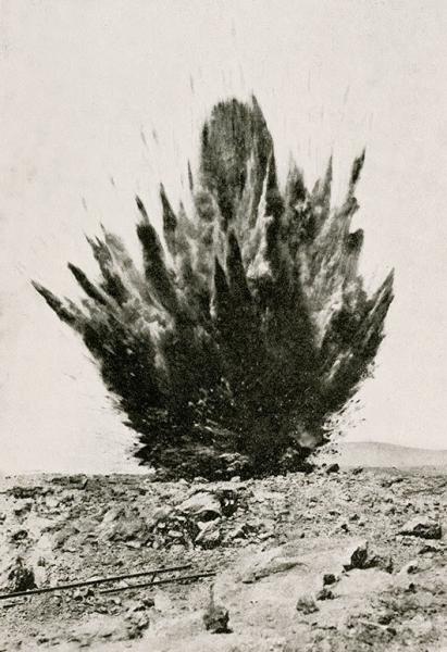 """Xavier Ribas, Postal publicitaria de nitrato chileno, c. 1920 en """"A History of Detonations"""", 2013. Cortesía del artista y ProjecteSD, Barcelona."""