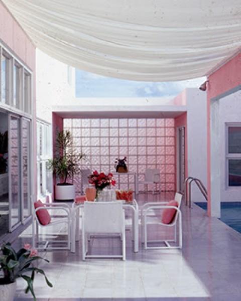 Laurinda Spear and Bernardo Fort-Brescia (ARQUITECTONICA), The Pink House, Miami Shores, 1976–9. © Robert Lautman Photography, National Building Museum.