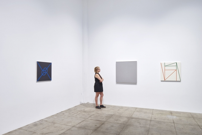 BMiv HWLA 1709 MD view0014 BMiv HWLA 1709 MD view0020 Installation view, 'Building Material: Process and Form in Brazilian Art', Hauser & Wirth Los Angeles, 2017 © Fabiana de Barros and Lenora de Barros  Courtesy Luciana Brito Galeria and Hauser & Wirth P