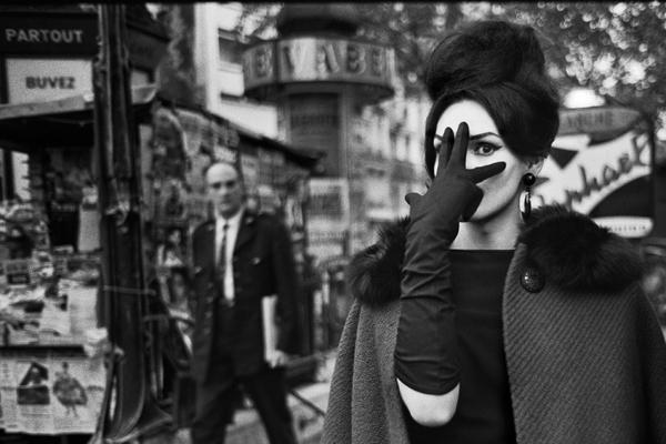 Nana, Place Blanche, Paris, 1961 Cortesia de Christer Strömholm | La fotografía invade España en el mes de mayo