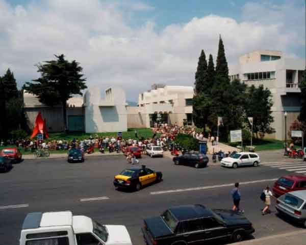 Vista exterior de la Fundació Joan Miró. Cortesía Joan Miró | La Fundació Joan Miró conmemora su 40 aniversario