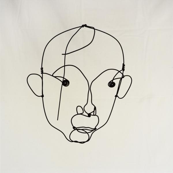 Alexander Calder  Portrait of Joan Miró/ Retrato de Joan Miró, c. 1930  Alambre de acero  29 x 27 cm  Colección Particular en depósito temporal  © Calder Foundation, New York/represented by Visual Entidad de gestión de Artistas Plásticos  (V.E.G.A.P.), Ma
