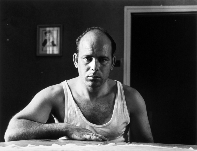 Autorretrato en camiseta. Madrid, 1960. Gabriel Cualladó - Colección Mur | Cualladó y su generación, en fase de recuperación
