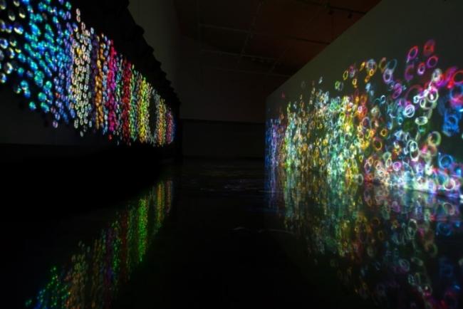 Vista de la exposición de Daniel Canogar. Cortesía de Alcalá 31 | Los platos fuertes de la semana: Daniel Canogar en la Sala Alcalá 31 y Victoria Civera en el Centro de Arte de Alcobendas