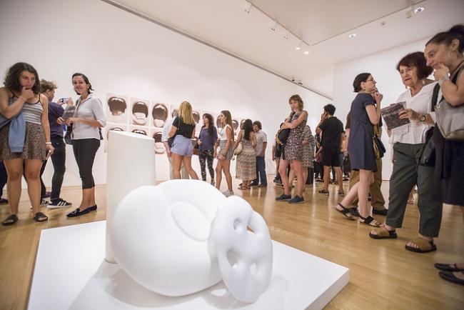Vista de la exposición ''A la conquista de la luna''. Cortesía del Ministerio de Cultura de Colombia | 9 exposiciones en Argentina: las mujeres toman los museos