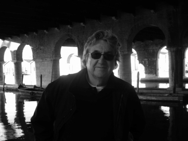 """Antoni Muntadas. Cortesía del Ministerio de Educación, Cultura y Deporte de España   12 artistas iberoamericanos en Art Basel 2018 """"muy bien coleccionados"""""""