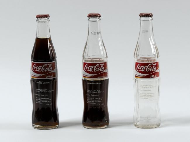 Cildo Meireles. Coca Cola. 1979. Cortesía del MAMBA | 9 exposiciones en Argentina: Latinoamérica y Europa se encuentran en el MAMBA