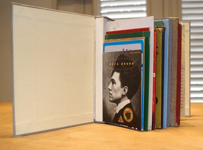 Yornel Martínez Sin título 2014 Libro conformado con portadas de otros libros 27 x 30 x 12 cm. Cortesía de El Apartamento | Los curadores cubanos Ibis Hernández y Samuel Hernández seleccionan 6 artistas para ARTEINFORMADO