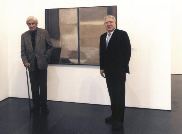 Lluis Bassat (drcha.) con Albert Ràfols Casamada en el MACBA   Ir a la ficha del Coleccionista 'Carmen y Lluís Bassat '