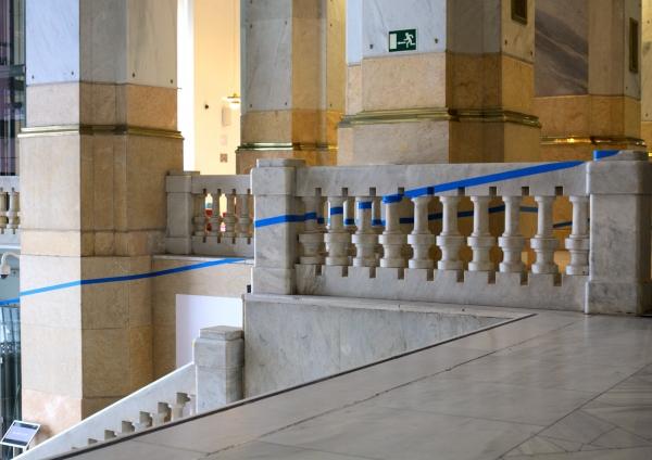 Un Plan Sencillo_Palacio de Cibeles_la escalera | Ir a la ficha del Artista 'Matteo Mariotti'